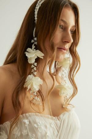 Beyaz Çiçekli ve İncili Çiftli Taç