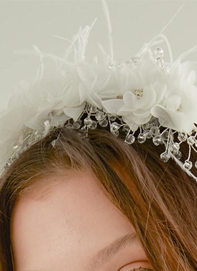 Çiçek ve Boncuklu Saç Aksesuarı Beyaz